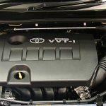 Desain eksterior dan interior Honda Civic terkesan sporty, sedangkan Corolla Altis terkesan elegan. Begitu juga dengan performa dan handlingnya. Honda Civic cukup responsif untuk diajak lari dan lebih fun to drive, sedangkan Corolla Altis lebih halus dalam berakselerasi dan lebih nyaman. Konsumsi BBM Corolla Altis lebih irit dari Honda Civic, namun tidak berbeda jauh. Fitur gimmick Corolla Altis jauh lebih lengkap, namun Honda Civic memiliki fitur fungsional yang tidak kalah penting (VSC). Harga Corolla Altis lebih murah dari Honda Civic. Perbedaan harga cukup jauh untuk kondisi bekas.