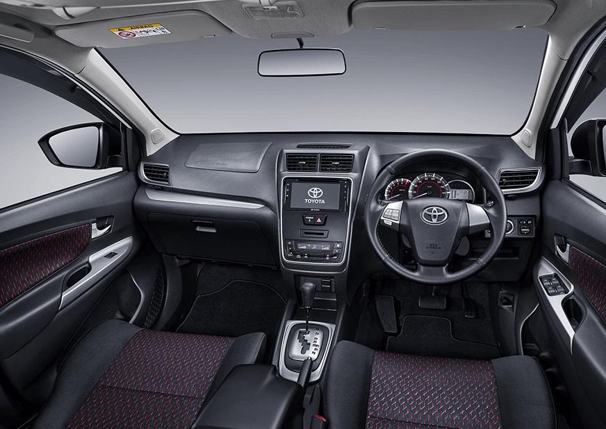 Desain memang relatif, tapi tidak salah jika desain eksterior Mitsubishi Xpander lebih baik daripada Toyota New Avanza 2019. Performa mesin keduanya hampir sama dengan output tenaga 104 PS. Namun, FWD lebih responsif dan lebih irit, sedangkan RWD lebih tahan banting dan memiliki traksi lebih baik di tanjakan. Desain interior Mitsubishi Xpander lebih modern dengan finishing yang juga lebih rapi dari Toyota New Avanza 2019. Ruang kabin Mitsubishi Xpander lebih luas. Namun, dimensi kompak dari Toyota New Avanza 2019 memberikan kelebihan pada kepraktisan untuk dikendarai di jalan sempit dan untuk parkir. Toyota New Avanza 2019 mungkin satu-satunya di kelasnya yang dibekali dengan roof monitor untuk baris kedua. Namun, fitur Mitsubishi Xpander juga tidak kalah dengan fitur keselamatan berupa hill start assist dan stability control. Mitsubishi Xpander lebih mahal, namun relatif lebih value for money mengingat fitur keselamatan yang dimilikinya sangat penting.